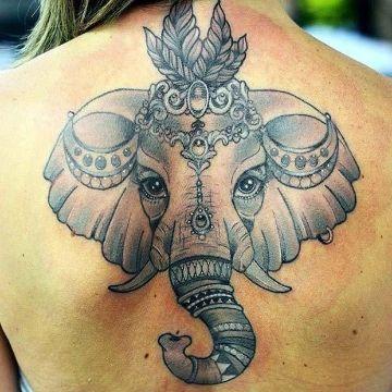 tatuajes de elefantes en la espalda hindu
