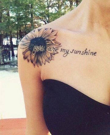 tatuajes de girasoles en el hombro sencillos