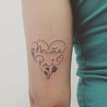 tatuajes de corazones con nombres delicados