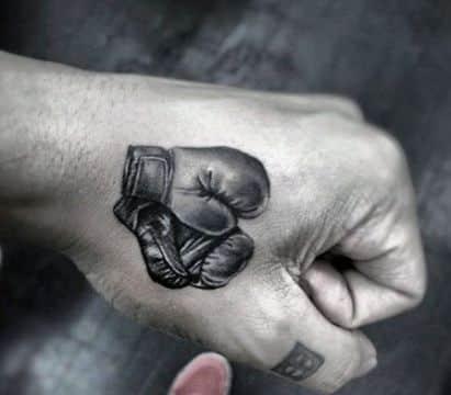 tatuajes de guantes de box pequeños