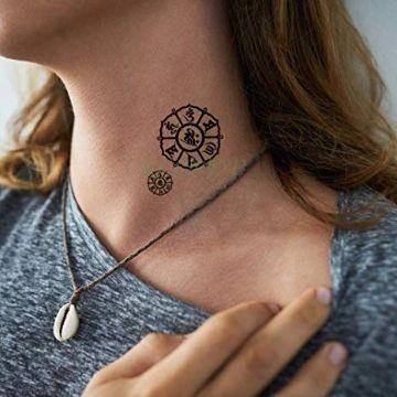 tatuajes de alacranes en el cuello signo
