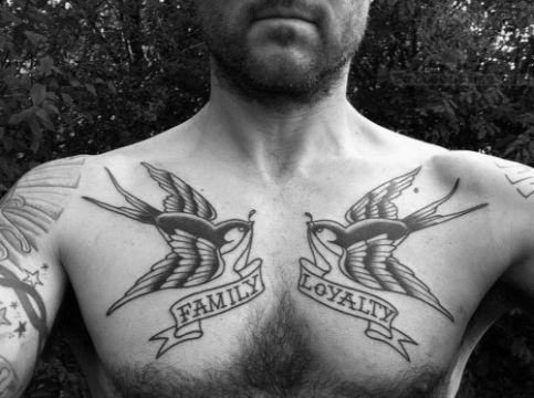 tatuajes de golondrinas para hombres con frases