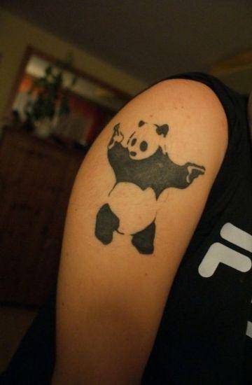 tatuajes de osos panda basado en arte callejero