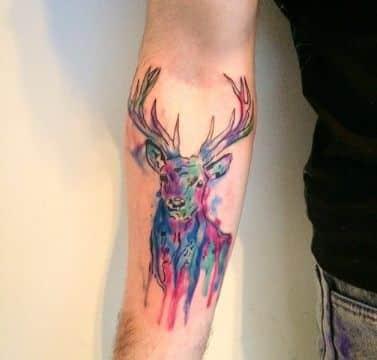 tatuajes de venados en el brazo acuarela