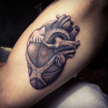 tatuajes de basquet para hombres imagen surrealista