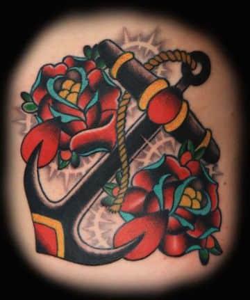 tatuajes de anclas con flores tradicional americano