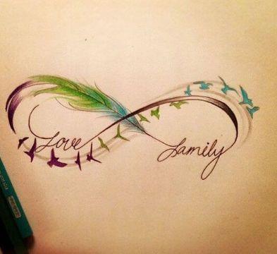 tatuajes de infinito con letras con colores