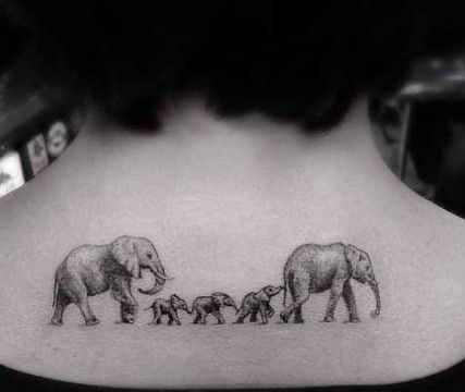 tatuajes de familia de 5 representacion con elefantes