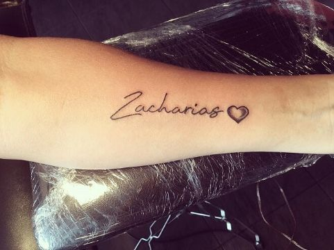 tatuajes de nombres de hijos tipografias