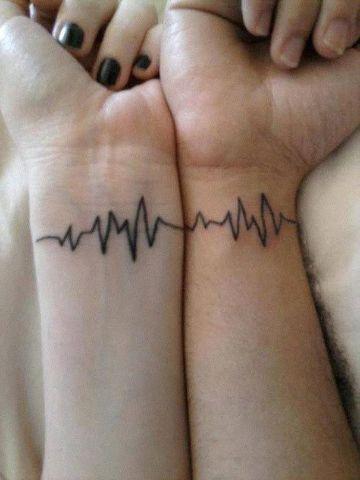 tatuajes de signos vitales parejas