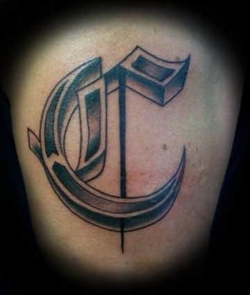 tatuajes con la letra c con detalles