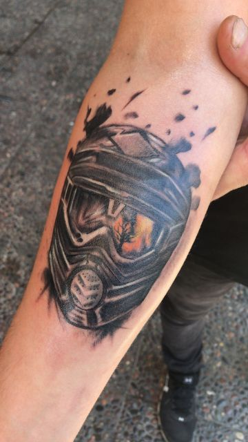 tatuajes de cascos de motocross con textura