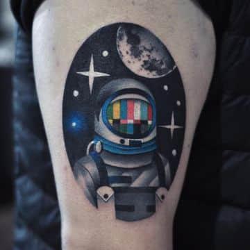 tatuajes de astronautas a color neotradicional