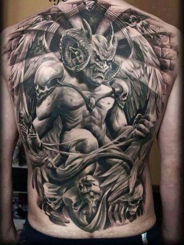 tatuajes demoniacos oscuros en la espalda