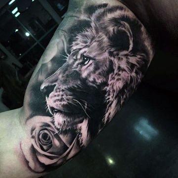 tatuajes de leon en el brazo magnificos sombreados