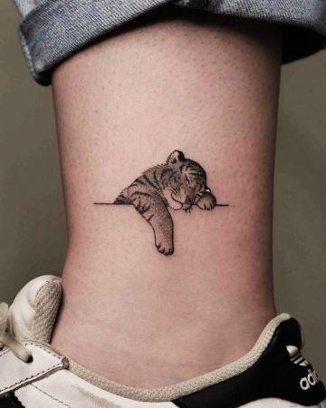 diseños de tatuajes pequeños con detalles precisos