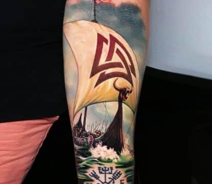 tatuajes de barcos vikingos y simbolos druidas