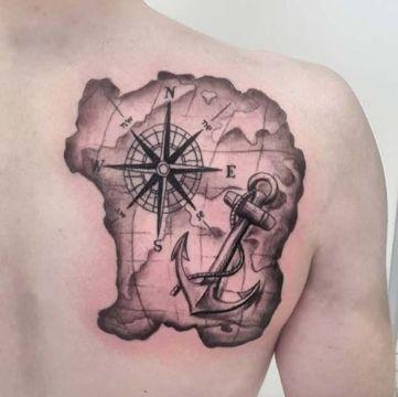 tatuajes de barcos y anclas en mapa
