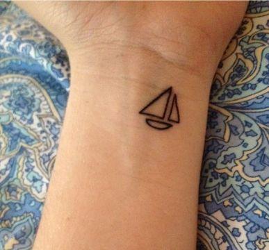tatuajes de veleros pequeños dibujo sencillo