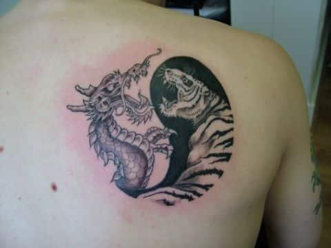 tatuajes de yin yang con dragon conceptos
