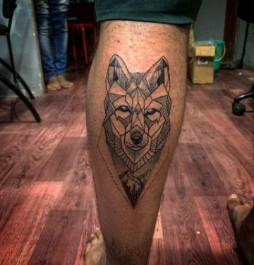 tatuajes de lobos siberianos geometrico