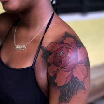 tatuajes en piel negra para mujer