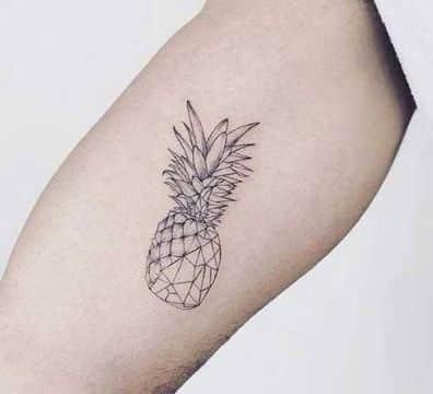 tatuajes de piñas para mujeres pequeños geometricos