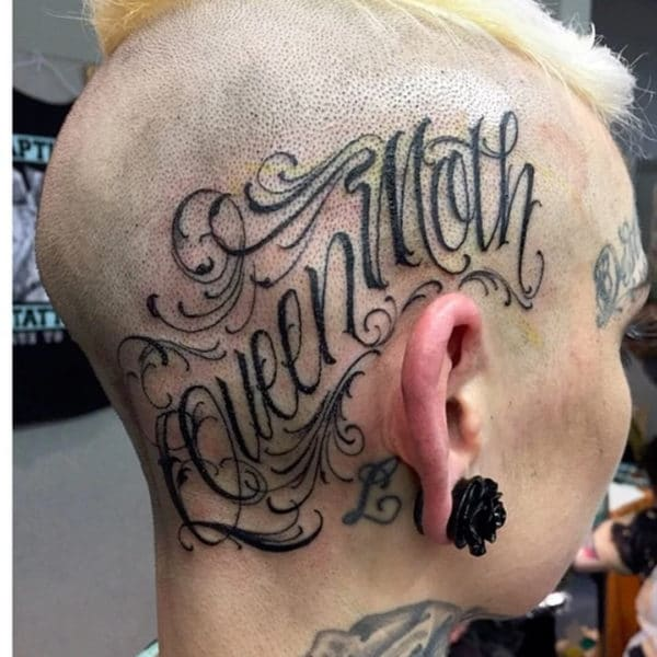 letra para tatuajes en cursiva en cabeza