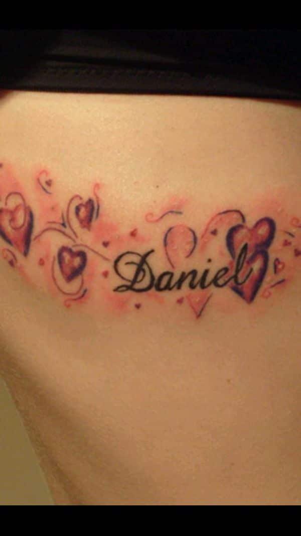 tatuajes con el nombre daniel corazones