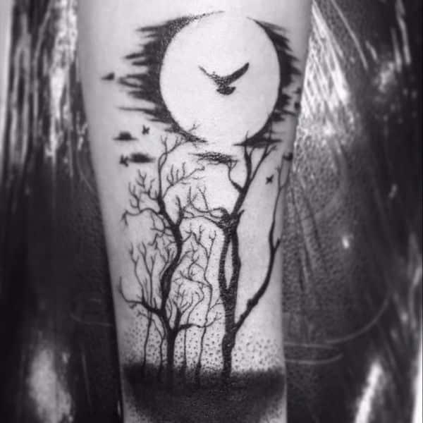 tatuajes de bosques con luna detalles