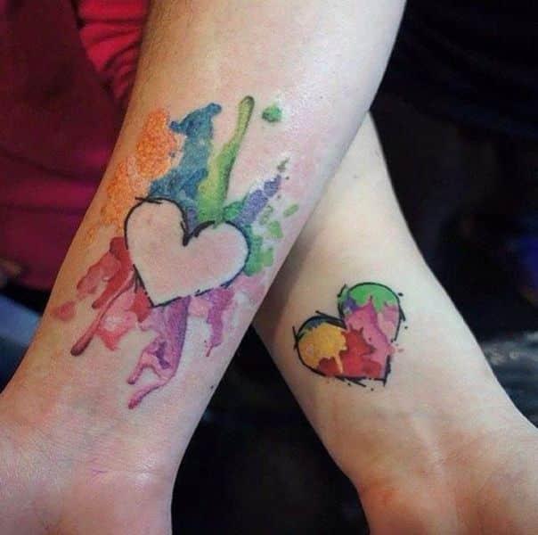 tatuajes de mamas con sus hijos e hijas