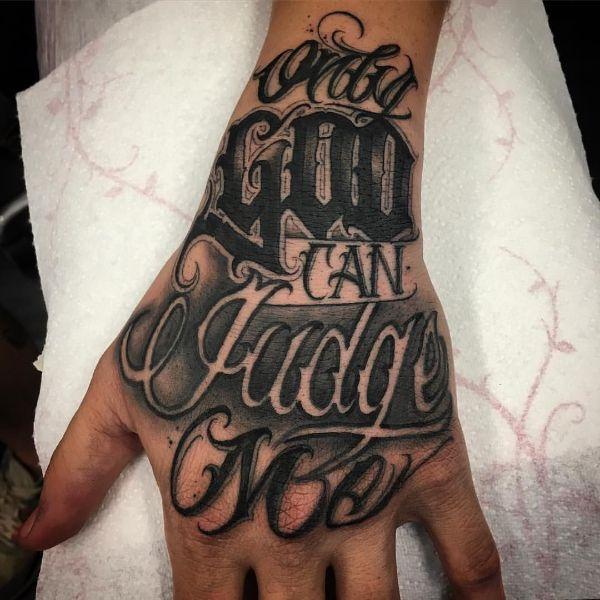 tatuajes de dios en la mano tipografias y frases