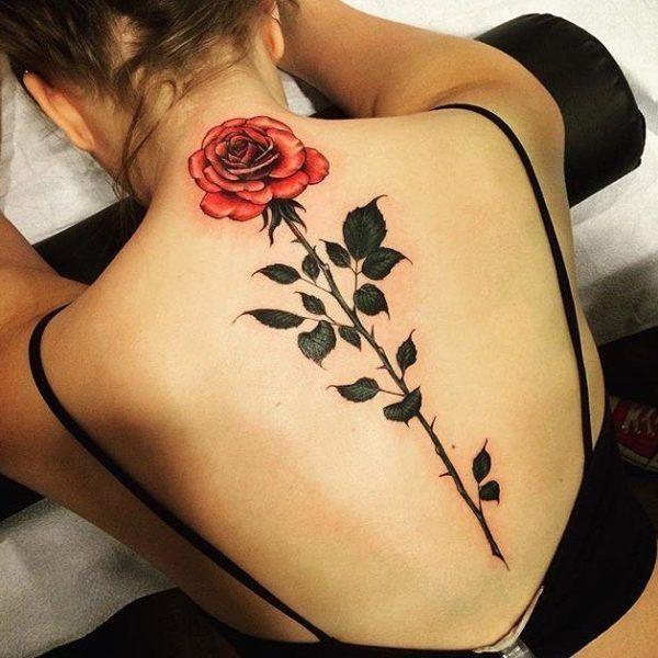 tatuajes de rosas para mujeres en toda la espalda