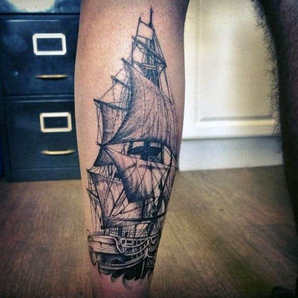 tatuajes para pantorrilla de hombre con grandes detalles