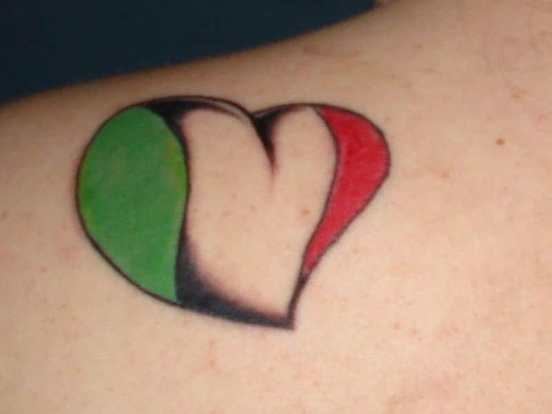 tatuajes de banderas de mexico colores con corazon