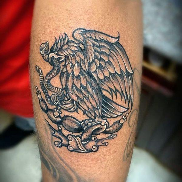 tatuajes de banderas de mexico simbolo patrio