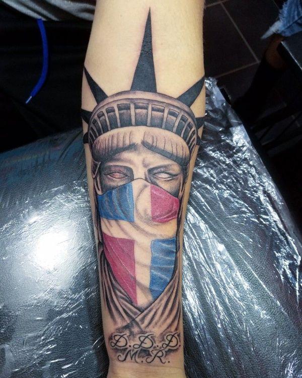tatuajes de la bandera dominicana dos nacionalidades
