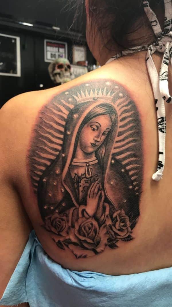 tatuajes de la virgen de guadalupe en espalda tres cuartos