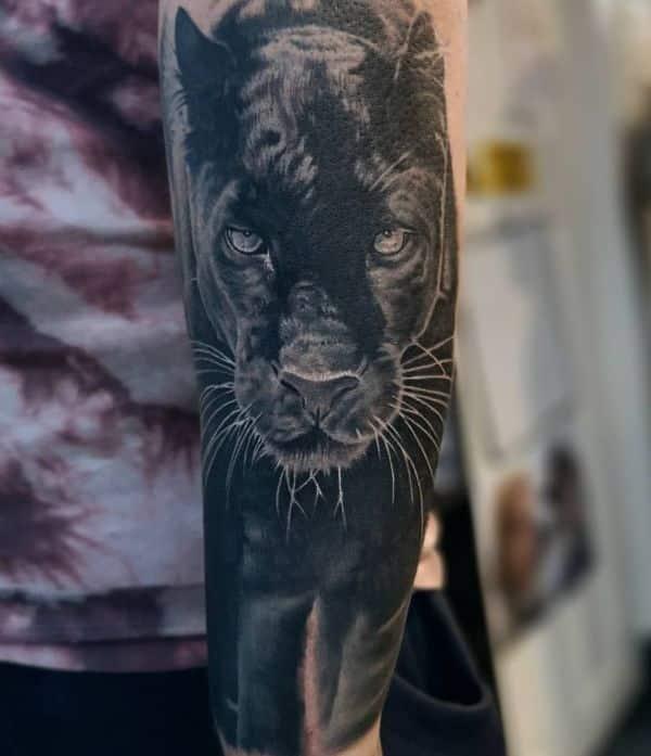 tatuajes de panteras para hombres realismo