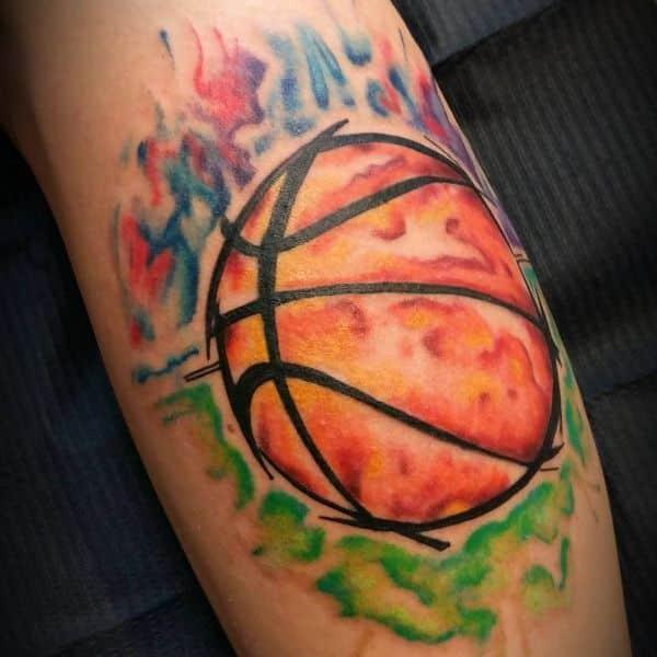 tatuajes de baloncesto para hombre balon en fuego