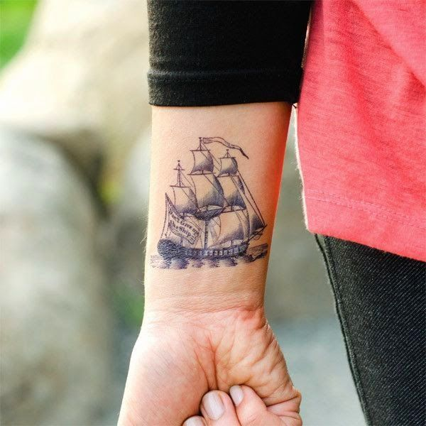 tatuajes de barcos en el brazo pequeños en alta definicion