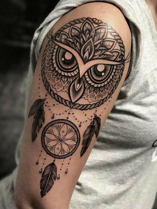 tatuajes de buhos con atrapasueños con alto detalle