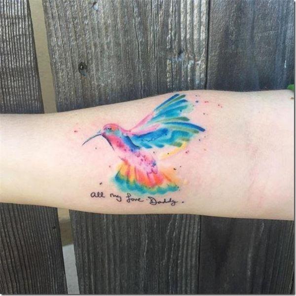 tatuajes de colibrí en el brazo con frases