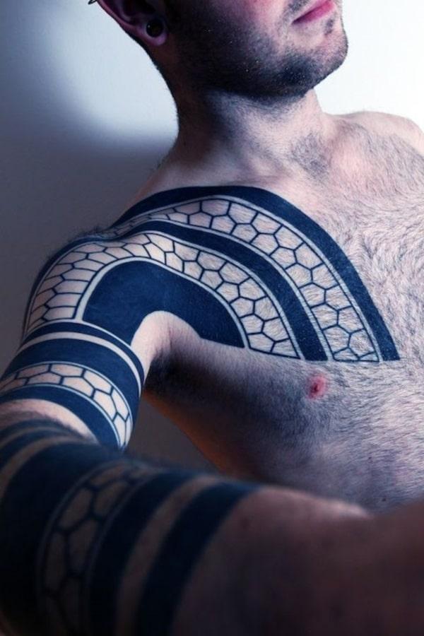 tatuajes de escamas de serpientes tribal