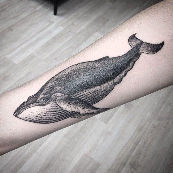 tatuajes de ballenas para mujer dotwork