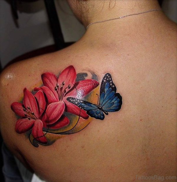 tatuajes de mariposas con rosas coloridas