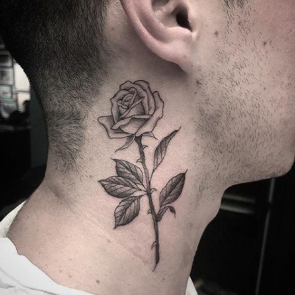 tatuajes de rosa en el cuello detras de la oreja